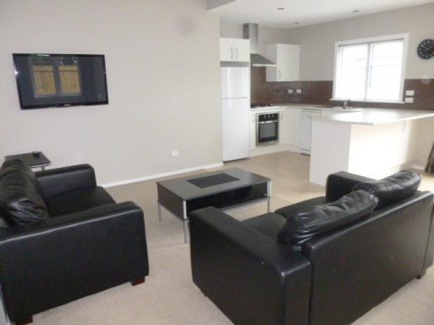 View profile: ST ALBANS - 1 BEDROOM, PARTLY FURNISHED, CAT NEGOTIABLE