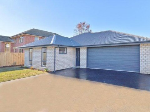 View profile: KAIAPOI - MODERN 3 BEDROOM 2 BATHROOM TOWNHOUSE - PET NEGOTIABLE