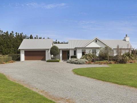View profile: SWANANNOA - 4 BEDROOM, 2 BATHROOM RURAL LIFESTYLE - GRAZING