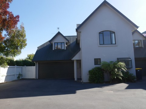 View profile: RICCARTON - 3 BEDROOM, 2 X BATHROOM TOWNHOUSE, DOUBLE GARAGE