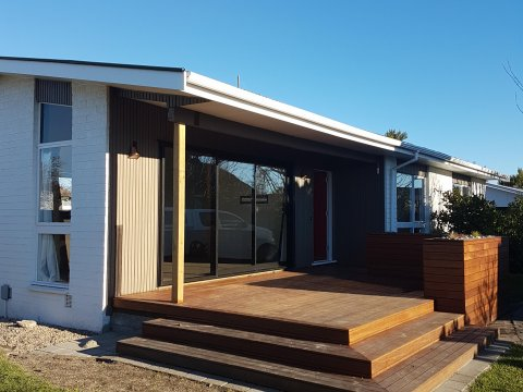 View profile: AVONDALE - 3 BEDROOM RENOVATED HOME, LARGE FENCED SECTION, PET NEGOTIABLE