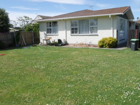 View profile: AVONHEAD - 2 BEDROOM UNIT REAR SECTION, GARAGE, SPACIOUS YARD