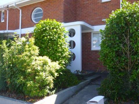View profile: FENDALTON - 3 BEDROOM TOWNHOUSE, SINGLE GARAGE, PET NEGOTIABLE