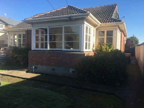 View profile: UPPER RICCARTON - 5 BEDROOMS, NEWLY RENOVATED, INSULATED, GARDENER INCLUDED