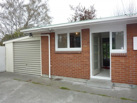 View profile: WOOLSTON - 2 BEDROOM REAR FLAT, HEATPUMP, SINGLE GARAGE, FULLY FENCED SECTION