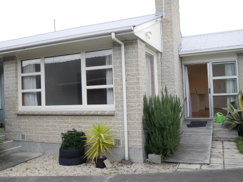 View profile: BRYNDWR - 2 BEDROOM REAR RENOVATED AND PRIVATE UNIT