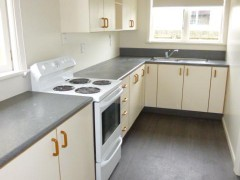 LINWOOD - 3 BEDROOM HOUSE, FULLY RENOVATED THROUGHOUT,HEAT PUMP LARGE SECTION
