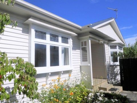 View profile: PAPANUI - 3 BEDS, 2 LIVINGS, GREAT LOCATION, GARDENS INCLUDED