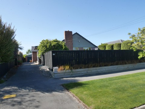 View profile: BRYNDWR - 3 BEDROOM RENOVATED FAMILY HOME, CENTRAL HEATING, PET NEGOTIABLE
