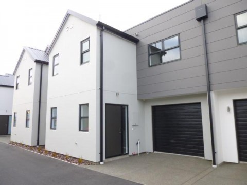 View profile: LINDON GROVES/ADDINGTON - NEAR NEW 3x BEDROOM, 2x BATHROOM, HEATPUMP